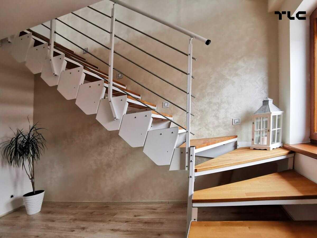 schody modułowe metalowe białe